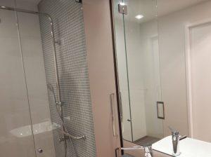 Arthouse bathroom Summer Housing
